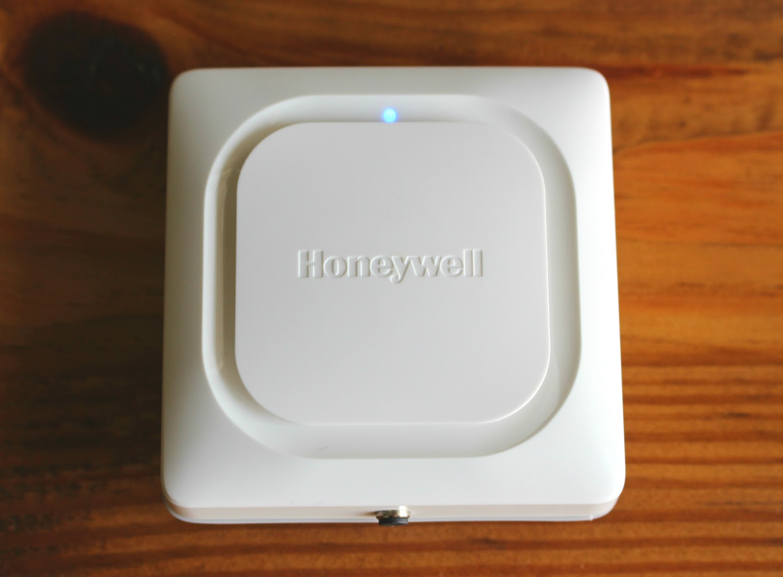 Honeywell-Wifi-Leak-Blue.JPG