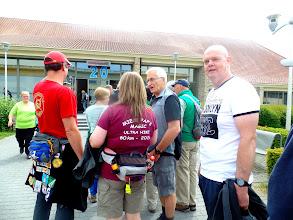 Photo: een rij wachtende voor ons ;;;maar we hebben tijd zat