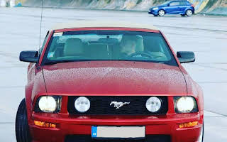 Ford Mustang GT Cabrio Rent Bratislava