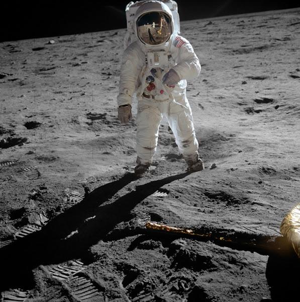 Photo: Edwin Buzz Aldrin på månen. Fotograferad av Neil Armstrong.  Fotocredit: NASA