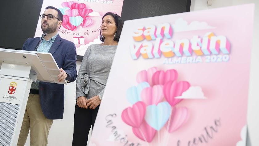 Presentación por Carlos Sánchez y Carmen Sánchez
