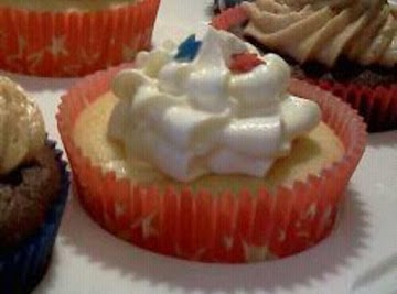 White Chocolate Cheesecake Filled Vanilla Cupcakes With Cream Cheese Frosting Recipe