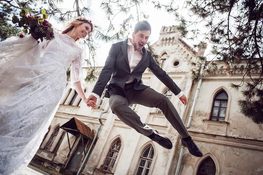 Wedding photographer Taras Kovalchuk (TarasKovalchuk). Photo of 20.04.2015