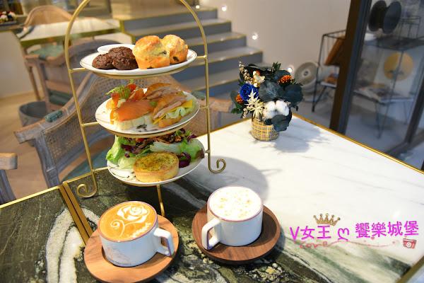 台北松山早午餐下午茶 捷運南京三民站 Chubby Bird County ~ 給自己一杯咖啡、一杯花茶的時光 感受愜意、浪漫的歐洲氛圍,放慢腳步來店裡感受一下每個角落的獨特設計。。。
