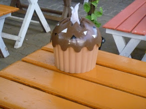 Photo: cupcake shaped napkin dispenser