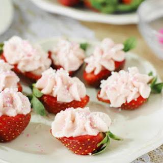 Strawberry Cheesecake Strawberry Bites