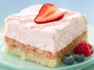 DIABETIC-FRIENDLY  EASY STRAWBERRY CREAM SQUARES