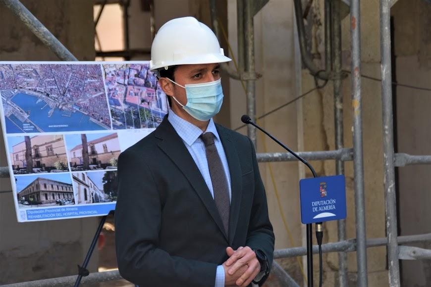 El presidente de la Diputación de Almería, Javier A. García.