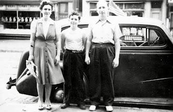 Photo: Minnie Markheim, Charles, and Herman Weber