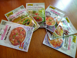 """Photo: My """"Full House"""" (though one extra,) Thai curry pastes collection. Each packet is as reasonable as around 40 USC / 25 INR in the supermarkets in Bangkok. Good for pasta sauce too sometimes. 15th October updated (日本語はこちら) -http://jp.asksiddhi.in/daily_detail.php?id=670"""