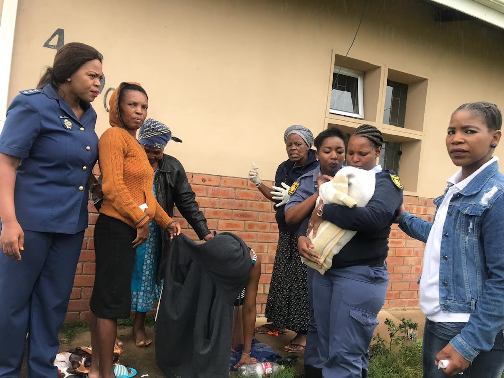 Durban cops help deliver bouncing baby boy at police station - SowetanLIVE