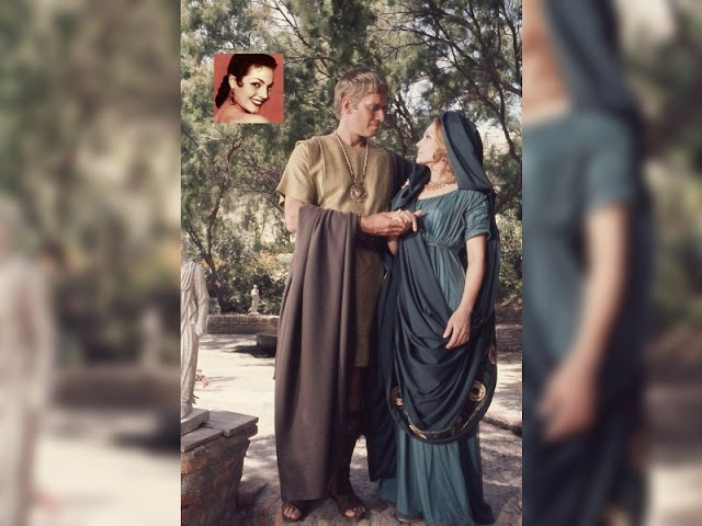 Fotografía promocional de Carmen Sevilla y Charlton Heston en Marco Antonio y Cleopatra.