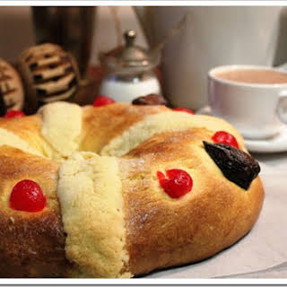 Three Kings Bread Recipe / Receta de Rosca de Reyes.