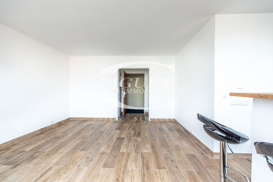 Location studio meublé 40 m2