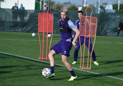 Anderlecht s'entraîne cette semaine avec un seul (jeune) attaquant