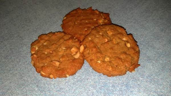 Crunchy, Chewy Peanut Butter Cookies