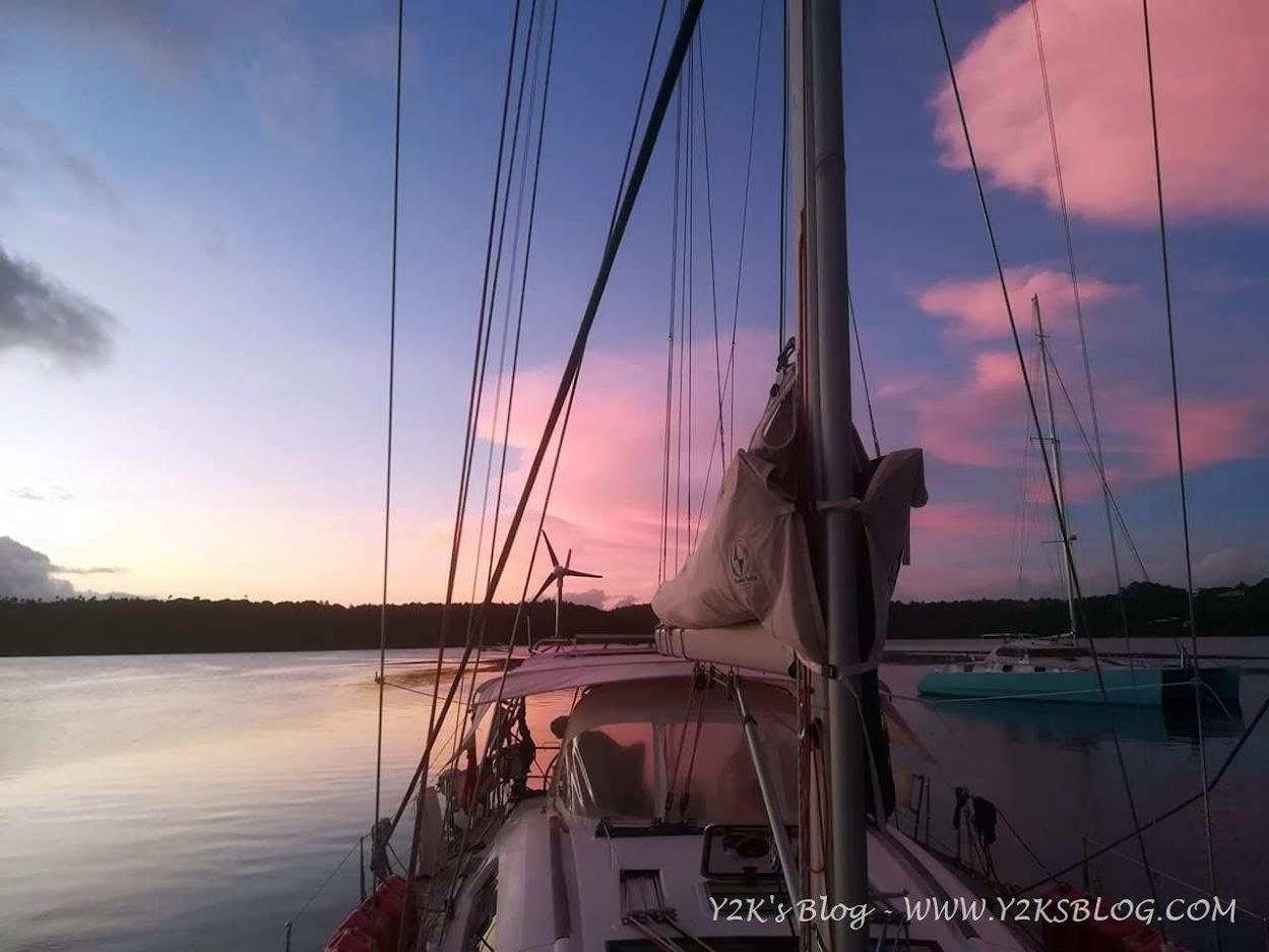 Dopo tanta pioggia, un tramonto rosa - Neiafu