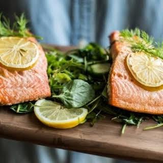 Simple Lemon Dill Salmon & Mache Salad.