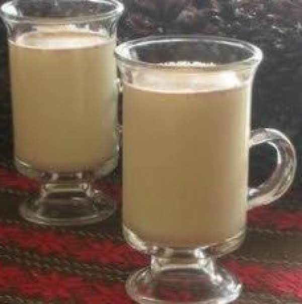 Melanie's Magnificent Homemade Eggnog