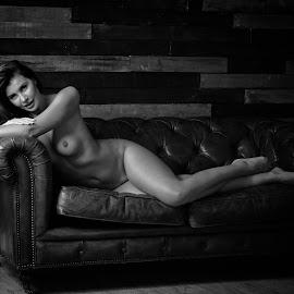 Olga Maria Kaminska © Rampix Photography by Riaan Www.rampix.co.uk - Nudes & Boudoir Artistic Nude ( studio, rampix, saracen, model, photographer, wood background, canon )