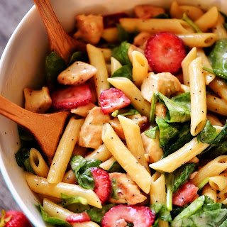 Strawberry Chicken and Spinach Pasta Salad Recipe
