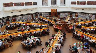 El programa Erasmus+ oferta más de 1.300 plazas para el próximo curso.