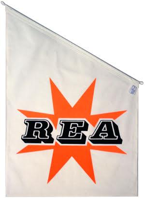 Rea fasadflagga 70x50 vit