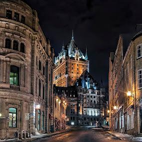 by Clermont Poliquin - City,  Street & Park  Street Scenes ( panoramio_6859456_86195978, night lights, best, pwc83: night light )