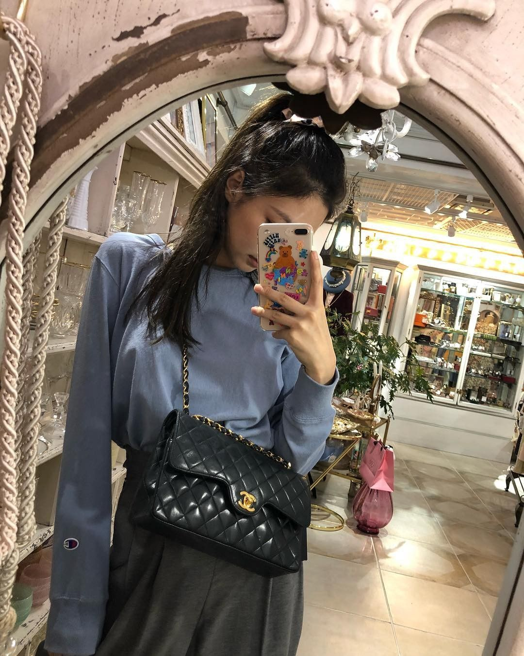 jenniebags_chanel_turnlockflapbag