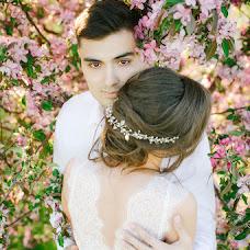 Wedding photographer Lyubov Lokotkova (EmmiliA). Photo of 10.10.2016