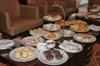 Photo: High-tea has become increasingly popular in Pune in recent years. Handful of fashionable cafes, including hotel lounges, offer their best selections of confections and snacks at a reasonable rate (300-400 each). This is high-tea arranged for our monthly Pune International Tea Party at the Hyatt Regency in October. This month, the Tea Party will be held on 24th Sunday from 4 p.m. at Cafe 3.5, another unique tea room in Viman Nagar. Check it out for more details here: http://www.internations.org/forum/show_post/1045214#1045214 or sign up for the Facebook page; https://www.facebook.com/groups/213725268657442/ 18th November updated (日本語はこちら) - http://jp.asksiddhi.in/daily_detail.php?id=366