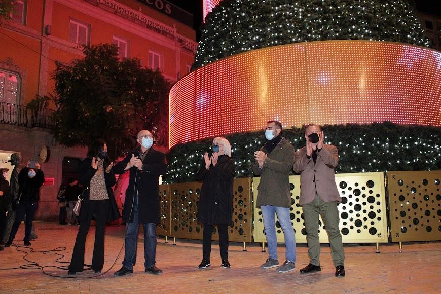 Inaugurando la iluminación extraordinaria de Navidad.