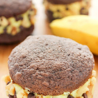 Chunky Monkey Ice Cream Whoopie Pies
