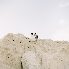 Wedding photographer Yuliya Bazhenova (juliamiss). Photo of 03.12.2017