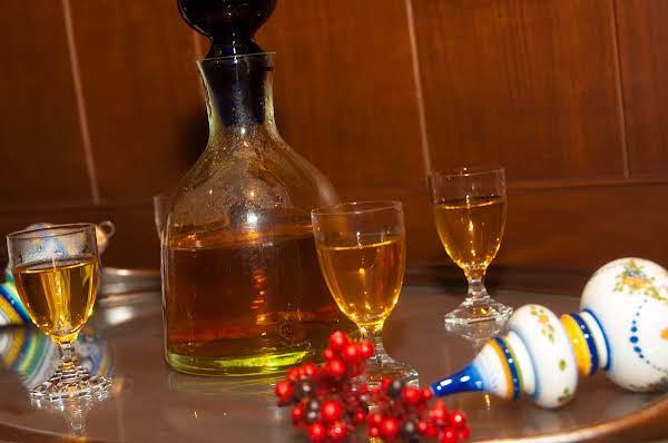 Autumn Essentials: Apple Pie Bourbon Shots Recipe