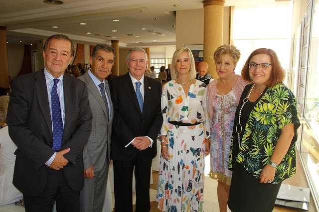 Bartolomé Vargas, Lorenzo del Río, Fernando Brea, Ana Tárrago,Lourdes Molina y Mª José Cañizares.