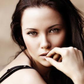 Olga by Shaun Stubley - People Portraits of Women ( model, girl, beauty, portrait )
