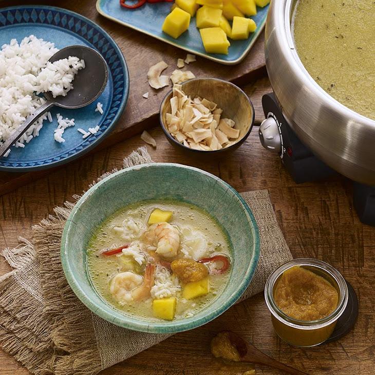 Caribbean Hot Pot Broth with Papaya Pica Sauce Recipe