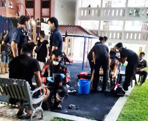 2 Teens Hospitalised After Suffering Electric Shocks Beside Toa Payoh Lamppost