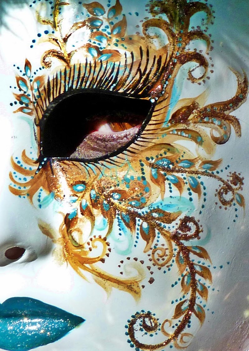 Nascosta dietro una maschera di MaxFelice