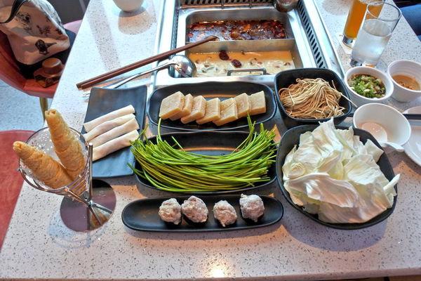 美滋鍋~粉紅世界網美必拍!新加坡飛來的養顏鍋物!