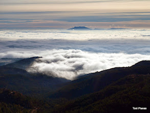 Photo: Boira a la plana. El Montseny al fons.