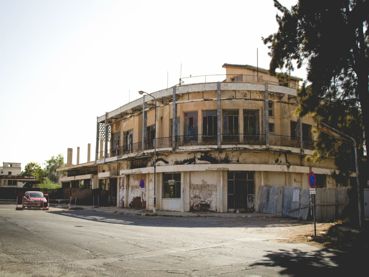 """""""Thị trấn ma"""" lừng danh tại Síp mở cửa đón khách trở lại - ảnh 2"""