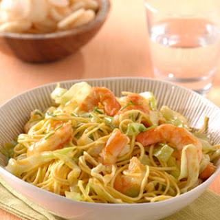 Chinese Mie-salade met garnalen & ketjap-sinaasappeldressing