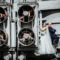 Wedding photographer Sergey Myakishev (FrodoBag). Photo of 03.10.2014