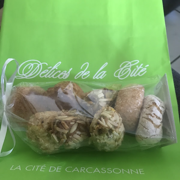 It's lovely to get gf French cakes, you can get a pre made set, or pick which ones you want like I did,there was a lot of choices and the lady was very friendly