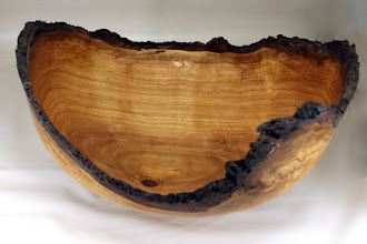 "Photo: Bob Grudberg 17"" x 10"" bowl [cherry]"