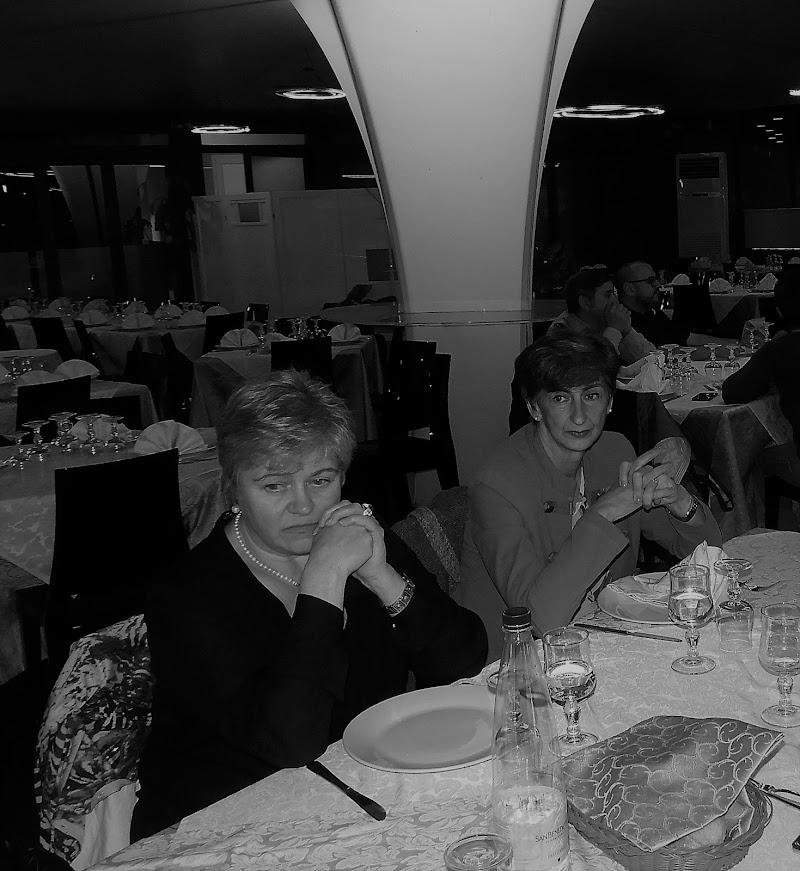 Il cameriere non si vede....che  malinconia. di claudio_sposetti
