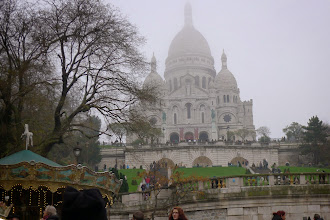 Photo: le Sacré Coeur vu de la Place St Pierre