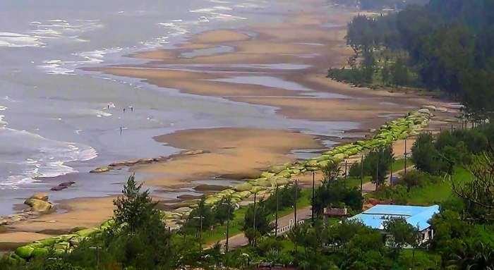 Himchhari beach Cox's Bazar